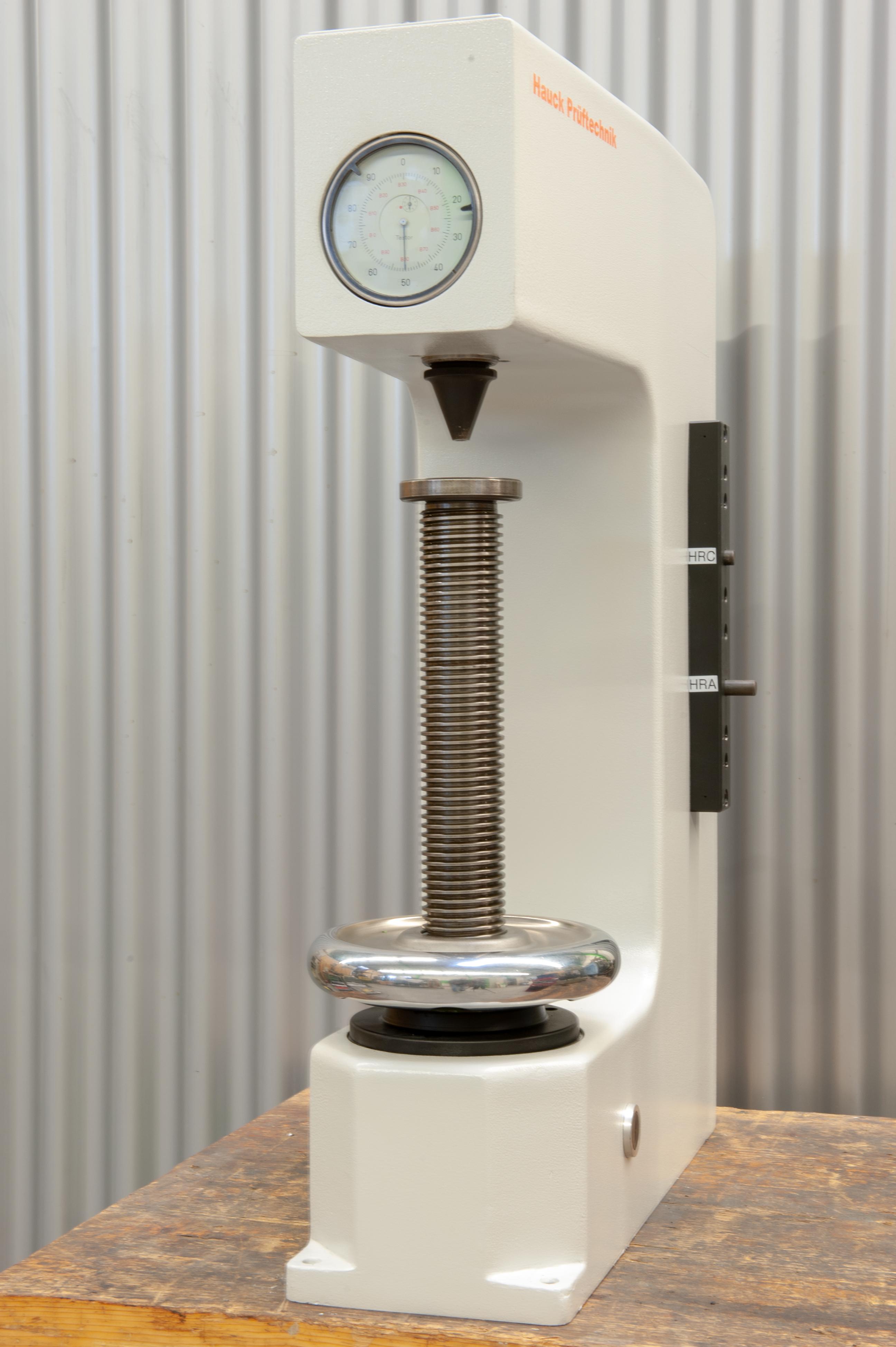 Härteprüfmaschine Wolpert Testor HT2001